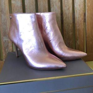 Amazing metal pink booties